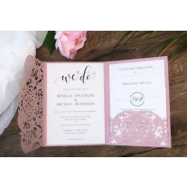 Rosa Pocket Einladung mit Laser geschnittenem Ornamenten (5-603-209)