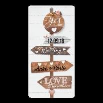 Hippe Hochzeitseinladung mit Gerüstbohlen und herzförmigem Ausschnitt