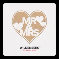 Hippe Hochzeitseinladung mit trendiger Typografie auf rustikalem Papier