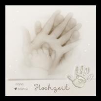 Einzigartige Hochzeitseinladung mit Kinderhand auf Perlmuttpapier