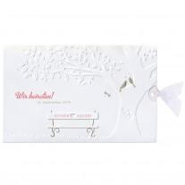 Hübsche Hochzeitskarte mit goldenen Vögeln und einer kleinen Bank mit Organzabändchen (727012)
