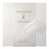 Klassische Hochzeitskarte mit Perlmuttband und kleiner Feder (727029)